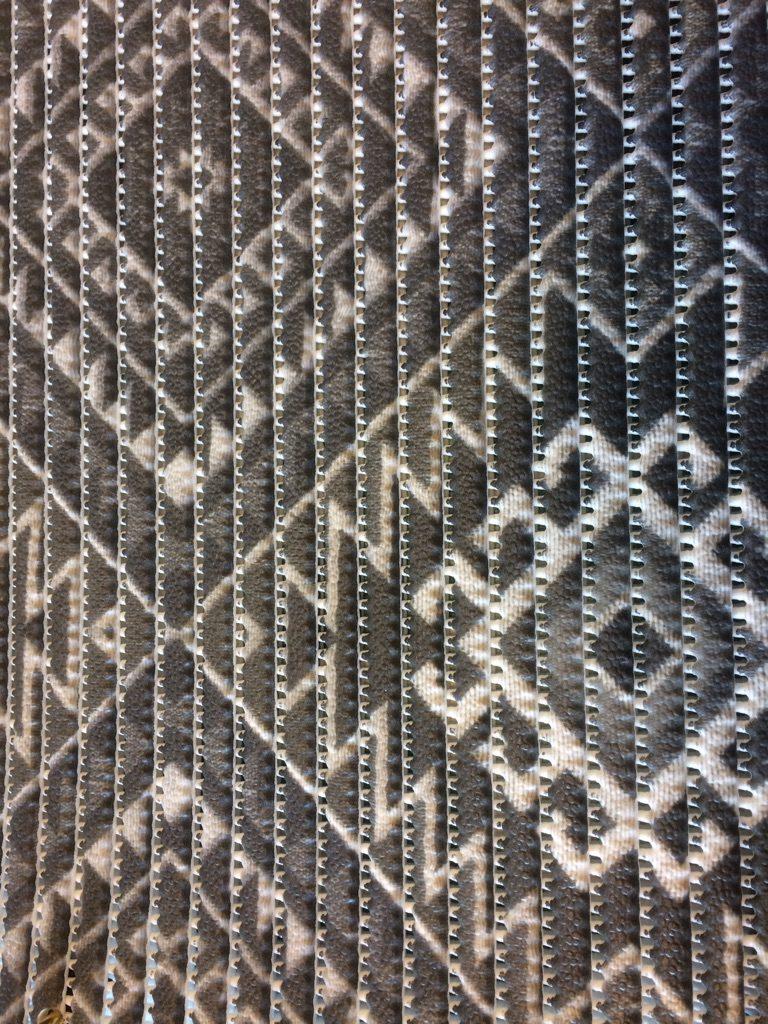 Skumtæppe Kela mønster